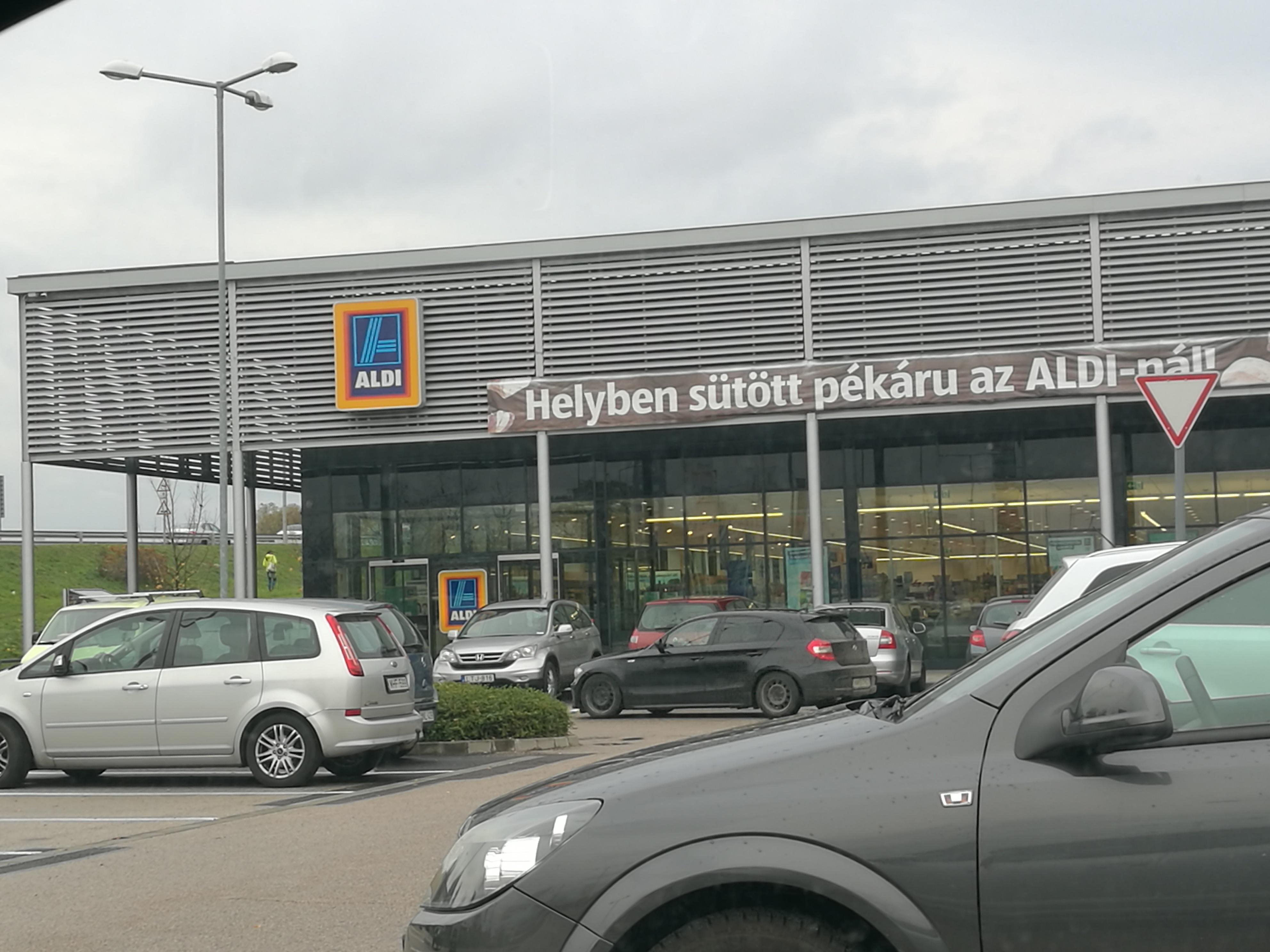 Auto Kühlschrank Aldi : Tanktipp für ungarn bald bei aldi günstig tanken touristiknews